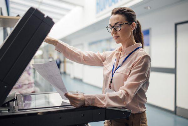 Você sabe qual é a diferença entre terceirização e outsourcing de impressão?