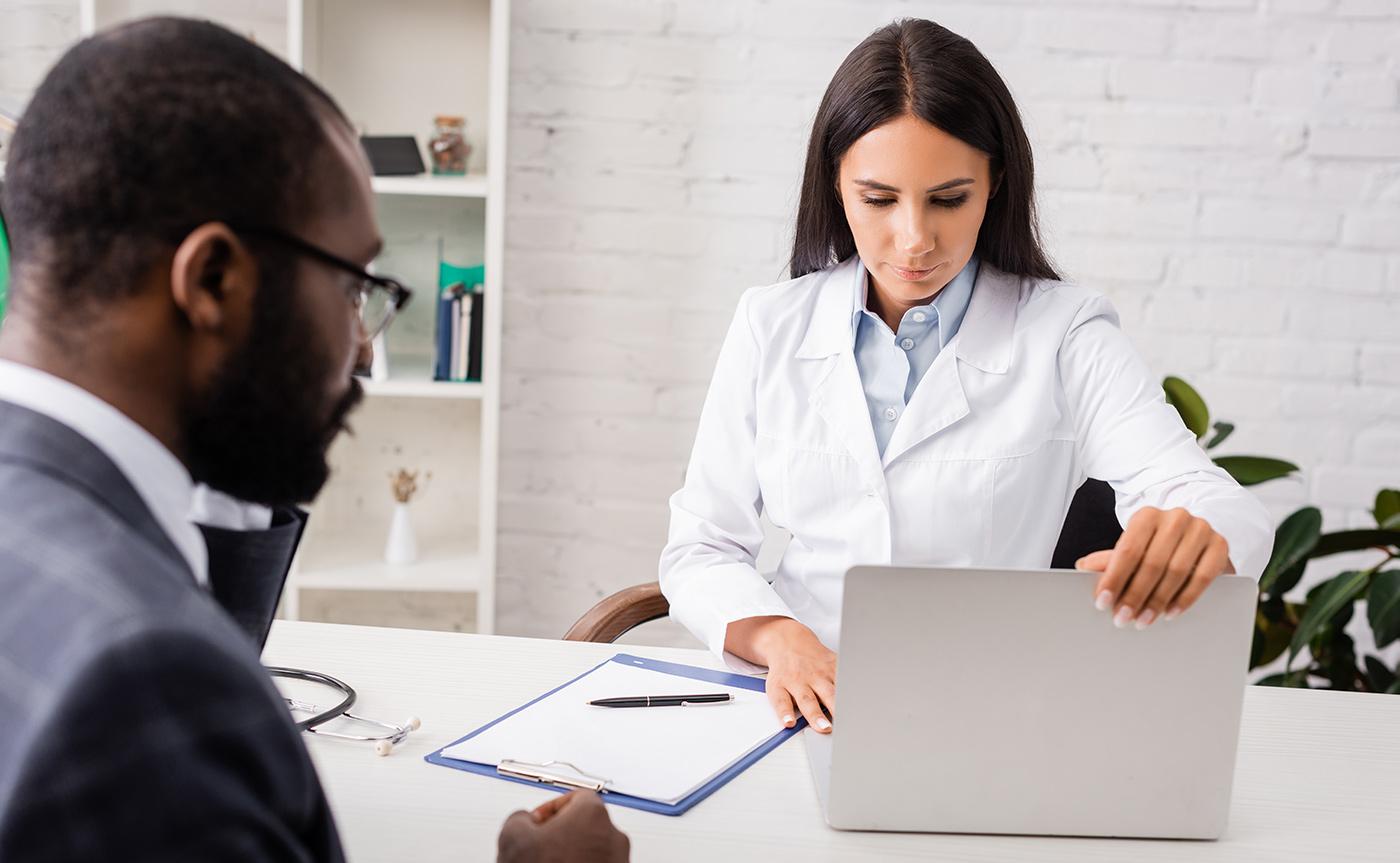 Conheça os benefícios da impressão de documentos médicos sob demanda