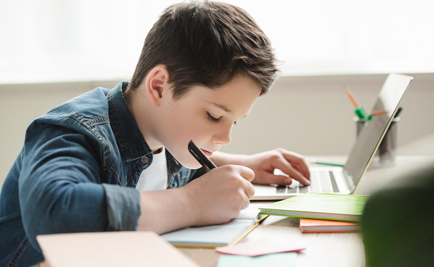 Tecnologia para ensino híbrido: por que e como implementar